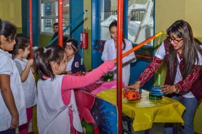 La Kermese Del Municipio Continua De Festejo En Las Escuelas N
